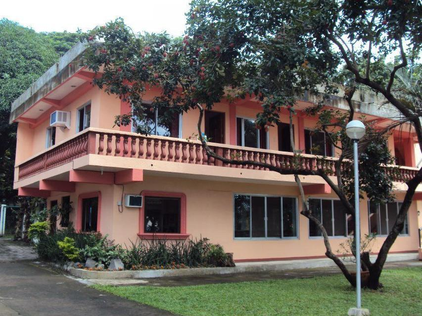 Talisay Green Lake Resort - Hotels and Accommodation in Philippines, Asia