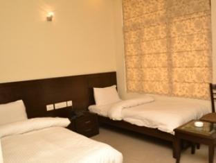 Hotel Bricks New Delhi and NCR - Deluxe Twin Room