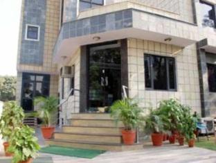 Hotel Smart Villa New Delhi and NCR - Entrance