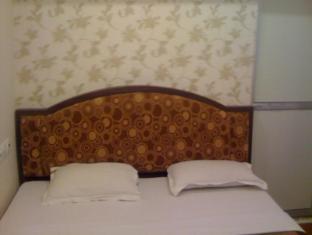 Ajay Guest House Varanasi - Heritage Room