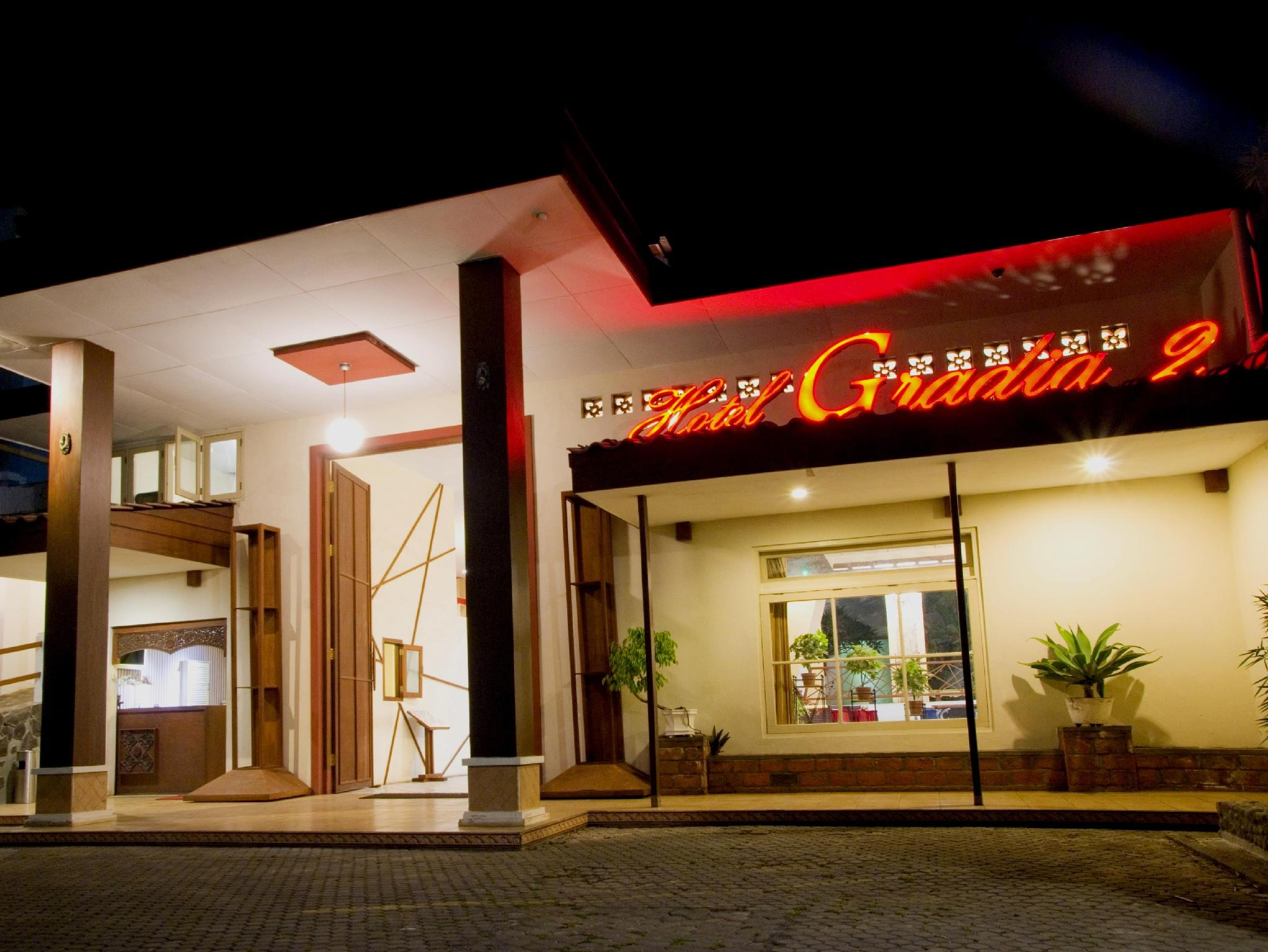Family Hotel Gradia 2 - Hotels and Accommodation in Indonesia, Asia