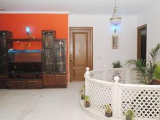 Blue Sapphire Inn New Delhi - Hotellet indefra