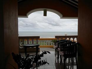 Adinda Beach Hotel Yogyakarta - Balcony