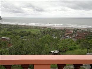 Adinda Beach Hotel Yogyakarta - Beach view from lobby