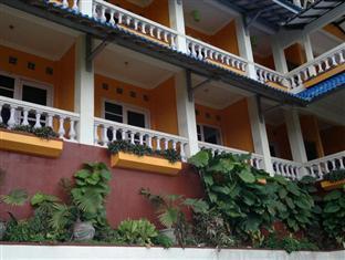 Adinda Beach Hotel Yogyakarta - Hotel Exterior