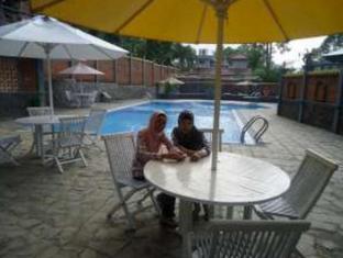 Bumi Kedaton Resort Bandar Lampung - Swimming Pool