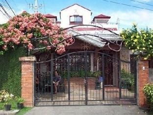 Casa Ruby Bed & Breakfast דבאו - בית המלון מבחוץ
