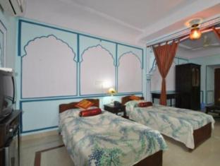 Rawla Mrignayani Palace Jaipur - Guest Room