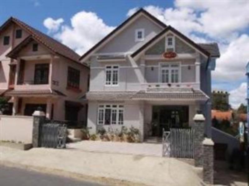 Villa Da Lat Hoang Kim - Hotell och Boende i Vietnam , Dalat