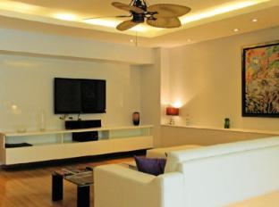 Executive Suite at Emerald Palace