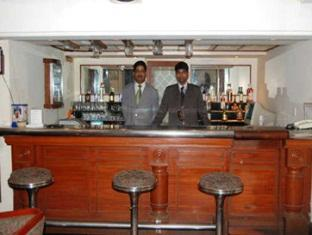Aruna Hotel Chennai - Food, drink and entertainment