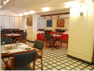 Aruna Hotel Chennai - Food, drink and entertainment