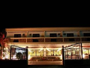 Philippines Hotel Accommodation Cheap | Selvinas Hotel & Restaurant Bicol - Exterior