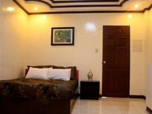Philippines Hotel Accommodation Cheap | Selvinas Hotel & Restaurant Bicol - Guest Room