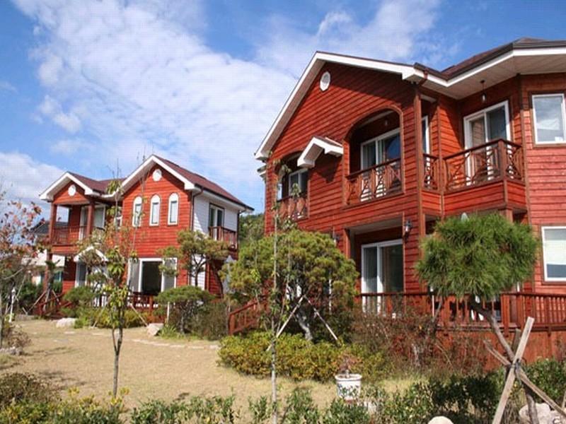 โรงแรม ฟูลเฮาส์ เพนชั่น เกียงจู  (Fullhouse Pension Gyeongju)