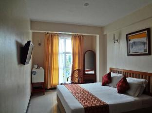 Baani Hotel Male City and Airport - Deluxe City View