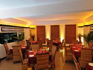 Baani Hotel Male City and Airport - Food, drink and entertainment
