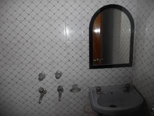 Hotel Prince Palace Deluxe New Delhi - Łazienka