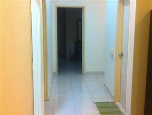 Homestay @ Setia Tropika Johor Bahru - Second level living room