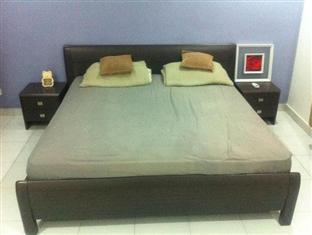 Homestay @ Setia Tropika Johor Bahru - Standard 4 Bedroom Unit