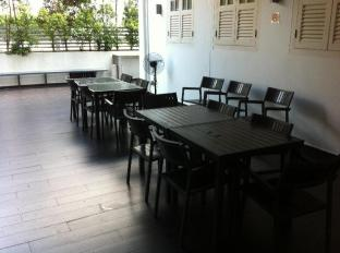 Singapore Hotel Accommodation Cheap | Bunc@Radius Little India Singapore - Dining Area