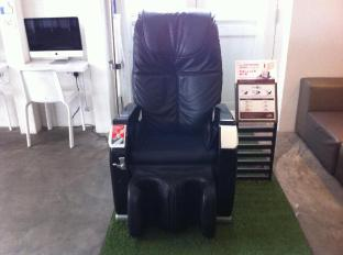 Singapore Hotel Accommodation Cheap | Bunc@Radius Little India Singapore - Massage Chair