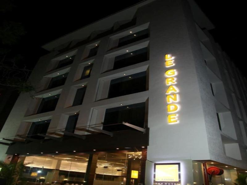 Le Grande Residency - Hotel and accommodation in India in Ahmedabad