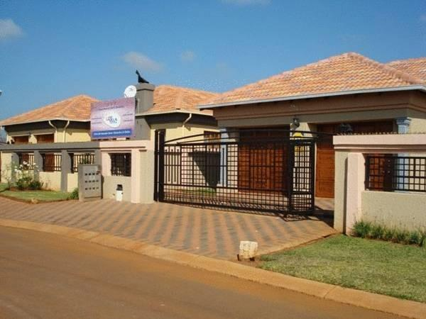Lizvilla Guesthouse - Hotels and Accommodation in South Africa, Africa
