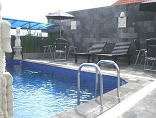 Arya Hotel & Spa Bali - Swimminig Pool
