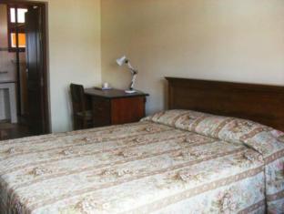 Ivy Cottage Negombo - Deluxe Room