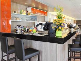 Residhome Roissy Village Paris - Pub/Lounge
