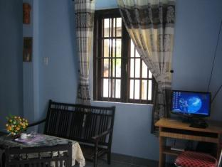 Cam Chau Homestay Hoi An - Living Room