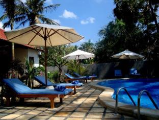Bali Bhuana Beach Cottages بالي - حمام السباحة