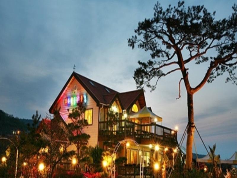 โรงแรม เลค แลนด์สเคป เพนชั่น  (Lake Landscape Pension)