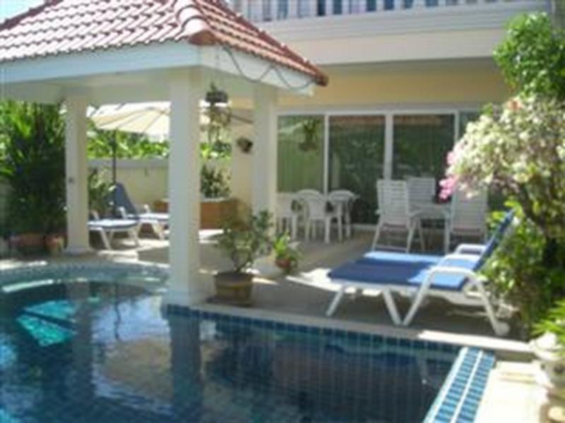 Hotell Baan Kinnaree i Naiharn, Phuket. Klicka för att läsa mer och skicka bokningsförfrågan