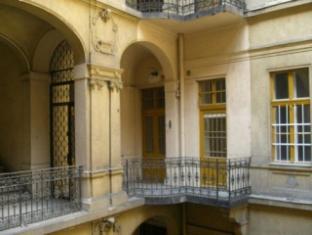 SmallGroup Hostel Budapest - Balcón/Terraza