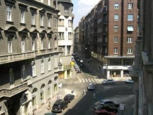 SmallGroup Hostel Budapest - Exterior del hotel
