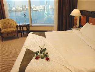 Corniche Al Buhaira Hotel - Suite Room