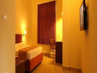 Mala Inn Chennai - Room Interior
