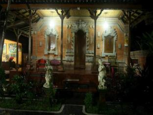 Yuliati House Бали - Фасада на хотела