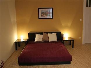 SOM Basilica Hostel Budapest - Guest Room