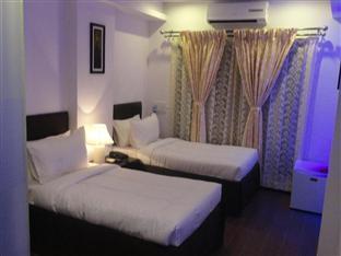 Dash Continental Hotel Vadodara - Deluxe Room
