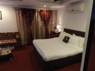 Dash Continental Hotel Vadodara - Royal Suite