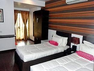 Dash Continental Hotel Vadodara - Guest Room