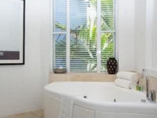Noosa Blue Resort Noosa - 1 Bedroom Deluxe Suite