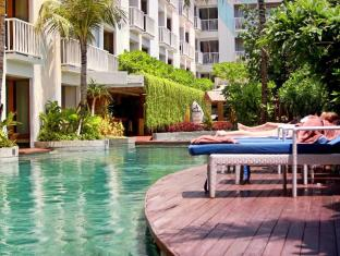 Bliss Surfer Hotel Bali - Swimming Pool