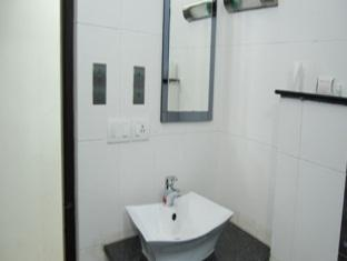 Shylee Niwas Hotel צ'נאי - חדר אמבטיה