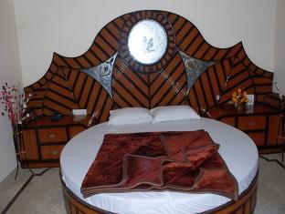 Hotel Western King New Delhi and NCR - Super Deluxe Room