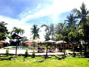 Agila Pool Villas Resort Cebu - Swimming Pool & Garden