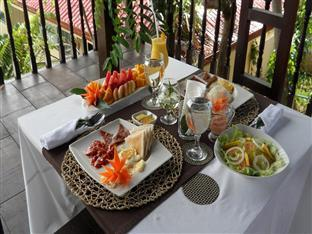 Agila Pool Villas Resort Cebu - Breakfast
